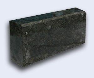 бордюр из гранита или гранитный поребрик